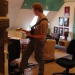 sov-saudt-ch-guitar2